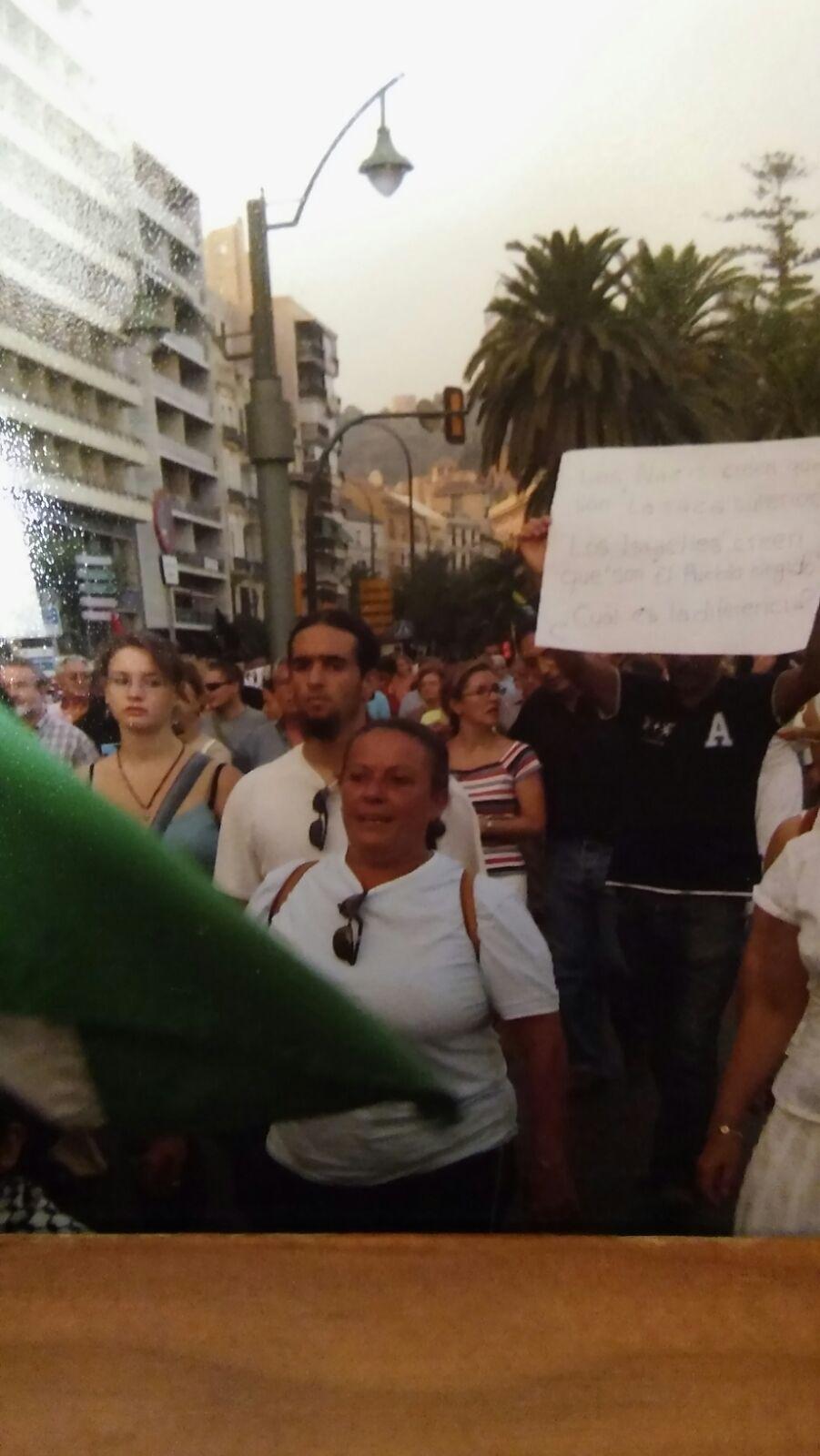 Homenaje-de-CCOO-de-Makro-a-Lola-Vicente-de-Makro-Málaga-manifestacion